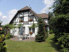 DOM VILLA PAULA wieś Pluski okolice Olsztyna nad jeziorem Pluszne